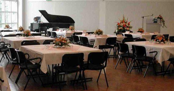Saal- und Tischdekoration